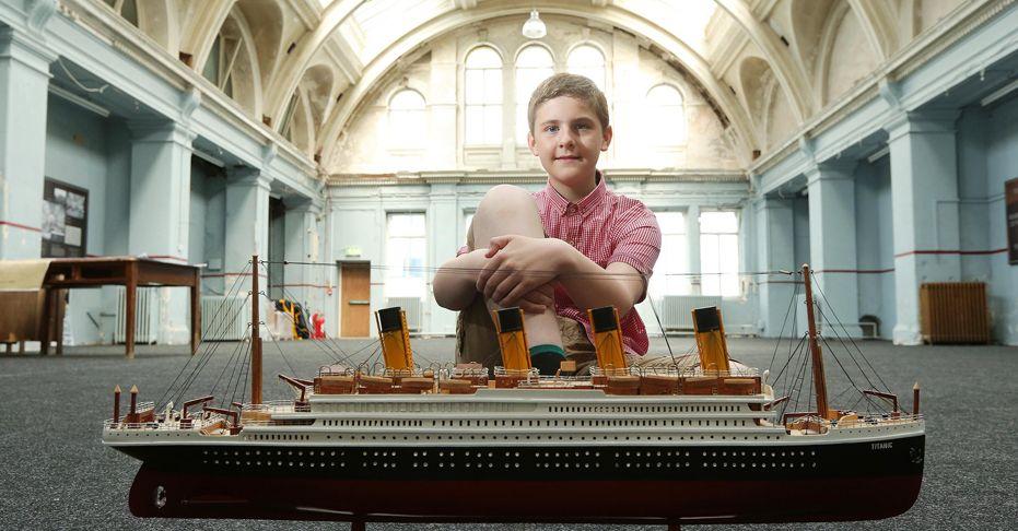 Affiche du film HOW THE TITANIC BECAME MY LIFEBOAT (Comment le Titanic est devenu mon canot de sauvetage)